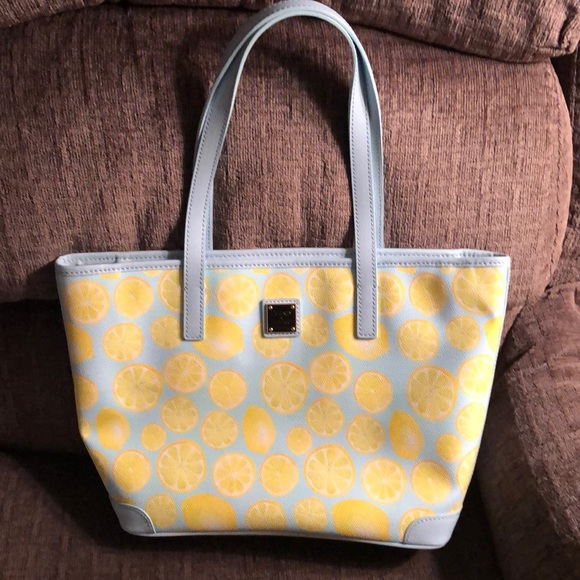 Dooney & Bourke Handbags - SALE!! 🍋🍋 NWT Downey & Bourke Lemon Tote 🍋🍋